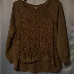 Lacey sweatshirt